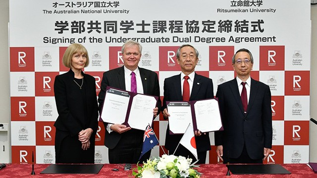 ANU Vice-Chancellor Professor Brian Schmidt and Deputy Vice-Chancellor (Global Engagement) Professor Shirley Leitch with counterparts from Ritsumeikan University