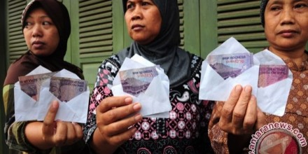 Buying Votes in Indonesia: Partisans, Personal Networks and