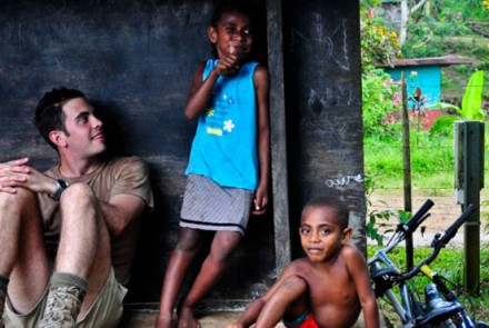 Australian army engineer and ni-Vanuatu children. Image from Flickr, courtesy of Australian Department of Defence.